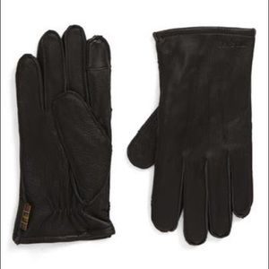BarbourBexley Touchscreen Compatible LeatherGloves